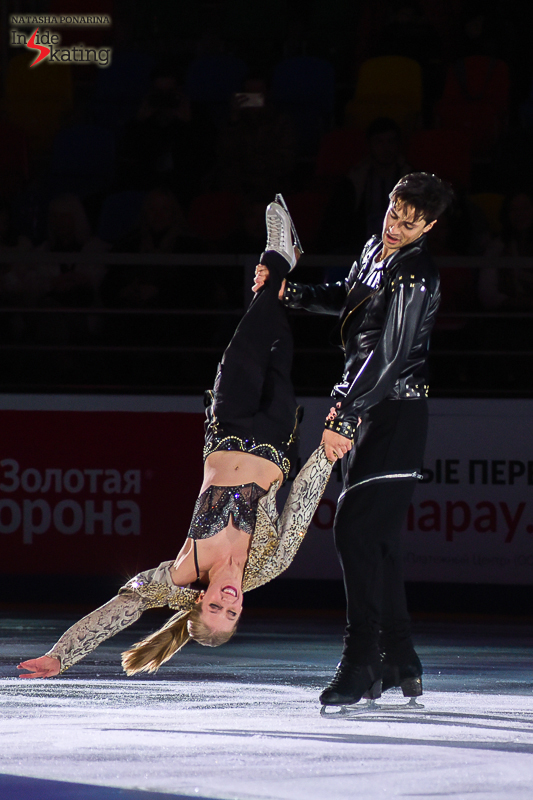 Kaitlyn Weaver and Andrew Poje exhibition 2016 Rostelecom Cup (8)