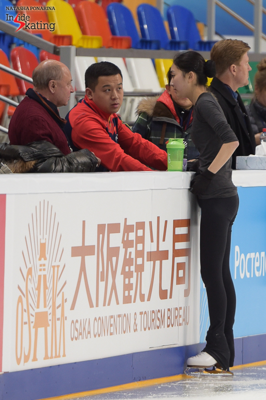 China's Zijun Li, taking advice from her team; among advisers one can easily recognize Alexei Mishin