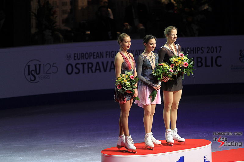 Carolina Kostner medal ceremony 2017 Europeans (2)
