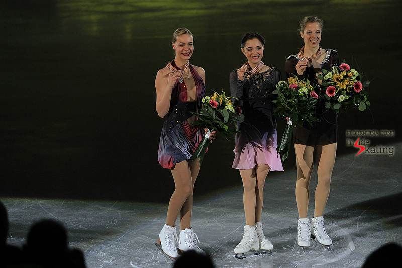 Carolina Kostner medal ceremony 2017 Europeans (3)