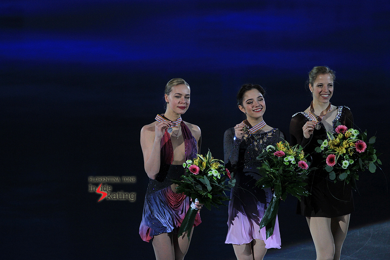 Carolina Kostner medal ceremony 2017 Europeans (4)