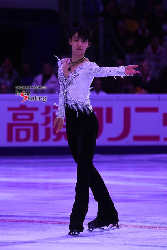Юдзуру Ханю / Yuzuru HANYU JPN (пресса) - Страница 5 Yuzuru-Hanyu-end-of-exhibition-gala-2017-Rostelecom-Cup-2