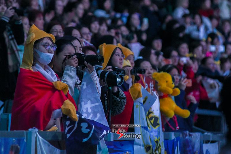 Юдзуру Ханю / Yuzuru HANYU JPN (пресса) - Страница 5 Yuzuru-Hanyu-end-of-exhibition-gala-2017-Rostelecom-Cup-8