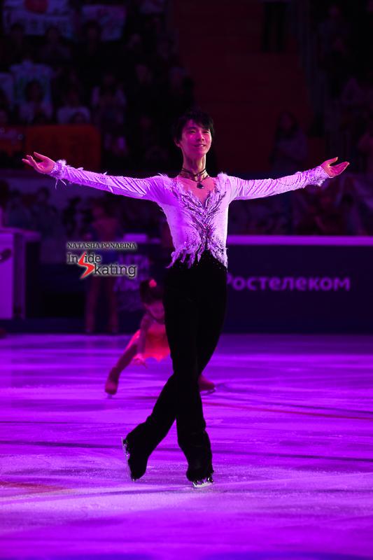 Юдзуру Ханю / Yuzuru HANYU JPN (пресса) - Страница 5 Yuzuru-Hanyu-exhibition-Notte-stellata-2017-Rostelecom-Cup-13