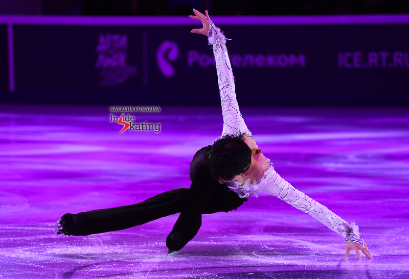 Юдзуру Ханю / Yuzuru HANYU JPN (пресса) - Страница 5 Yuzuru-Hanyu-exhibition-Notte-stellata-2017-Rostelecom-Cup-9