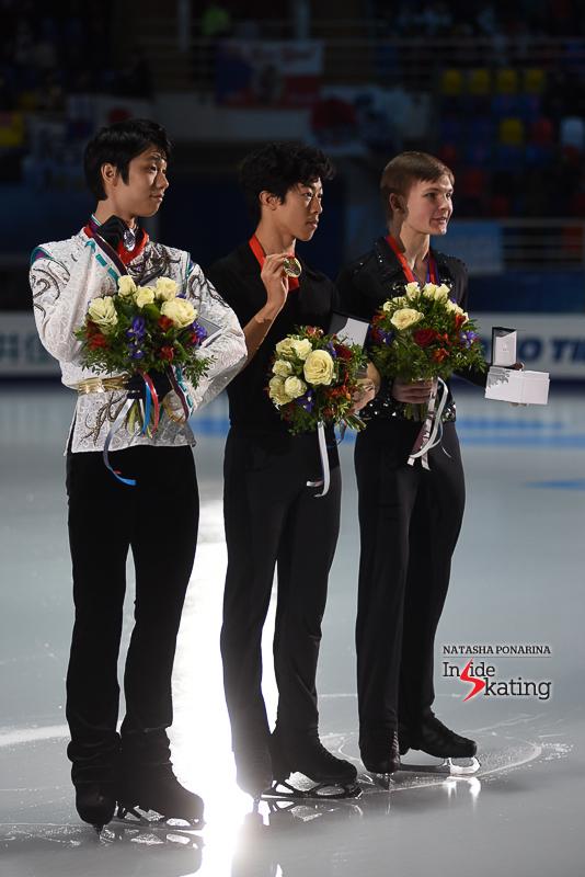 Юдзуру Ханю / Yuzuru HANYU JPN (пресса) - Страница 5 Yuzuru-Hanyu-medal-ceremony-2017-Rostelecom-Cup-7