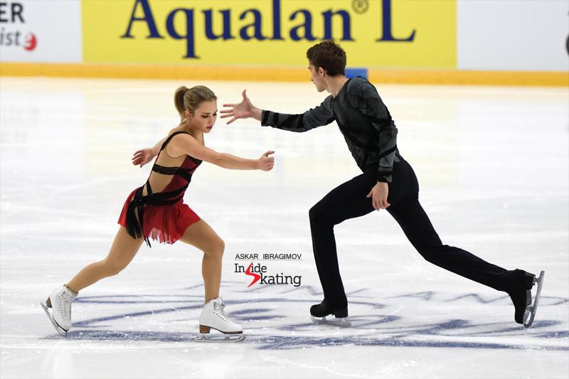Challenger (6) - Finlandia Trophy. Oct 11 - 13, 2019. Espoo /FIN      - Страница 15 Alisa-Efimova-and-Alexander-Korovin-SP-2019-Finlandia-Trophy-1