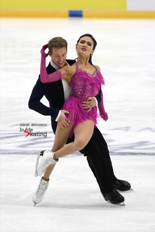 Challenger (6) - Finlandia Trophy. Oct 11 - 13, 2019. Espoo /FIN      - Страница 15 Madison-Chock-and-Evan-Bates-RD-2019-Finlandia-Trophy-3