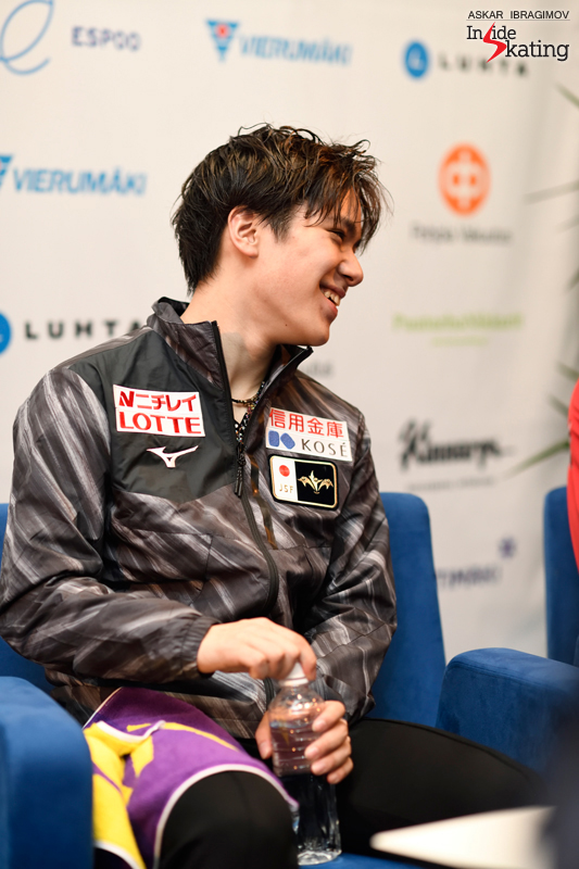 Challenger (6) - Finlandia Trophy. Oct 11 - 13, 2019. Espoo /FIN      - Страница 15 Shoma-Uno-press-conference-after-FS-2019-Finlandia-Trophy-2